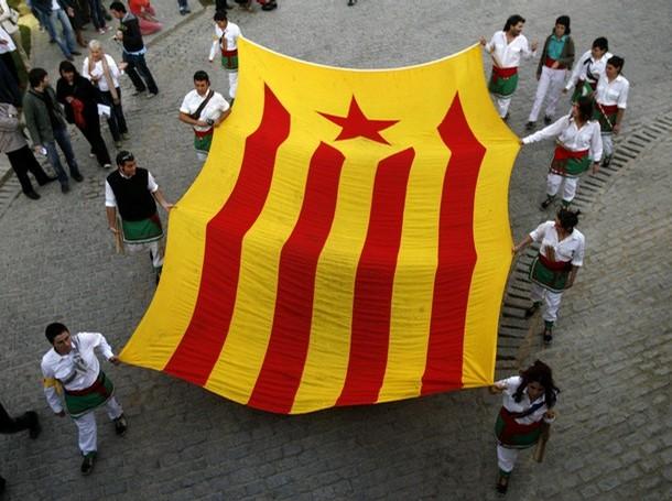 http://ercmoralanova.files.wordpress.com/2009/09/estelada-2301.jpg